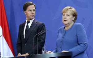 DUTCH PM APOLOGIZES FOR HIS COUNTRY FAILING ITS JEWS DURING THE HOLOCAUST
