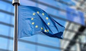 Report: EU Links Aid to PA to Financial Ties with Israel