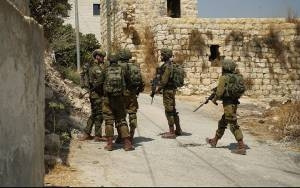 IDF SAID TO ARREST 3 PALESTINIANS DURING HUNT FOR TERRORISTS BEHIND BOMB ATTACK