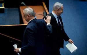 Gantz and Netanyahu Closing in On Deal for Unity Government Report
