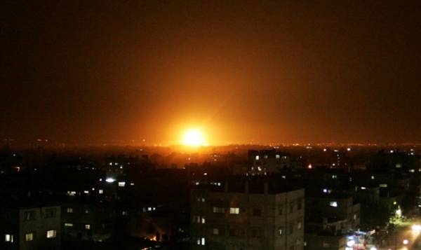 REPORT: 10 DEAD, INCLUDING 5 IRANIANS, IN ISRAEL AIRSTRIKES ON SYRIA