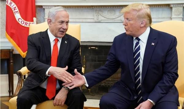 Report: Trump's Middle East Peace Plan Includes 'Pathway' to Palestinian Statehood