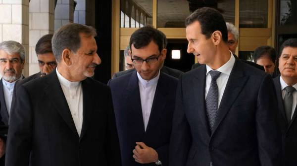 Iran Focuses on Political Solution While Keeping Military Option Open in Syria