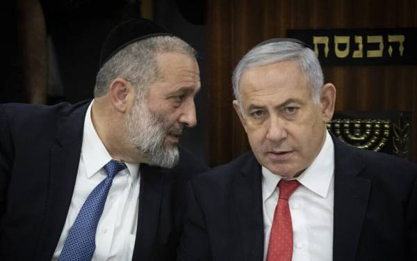 NETANYAHU SAID TO ASK SHAS TO EASE STANCE ON RELIGIOUS ISSUES IN COALITION TALKS