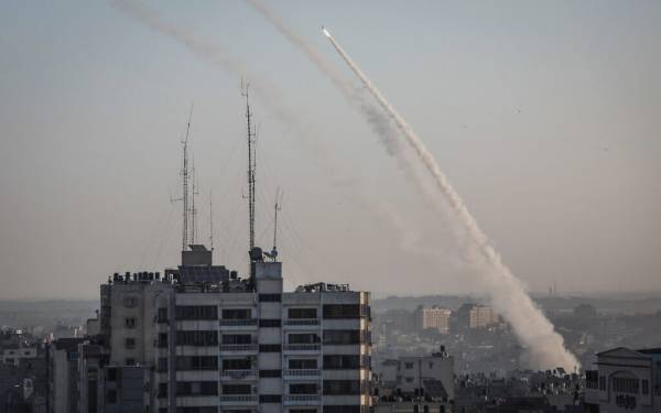 GAZA ROCKET HIT PALESTINIAN HUMAN RIGHTS COMMISSION OFFICE IN STRIP - ROCKET