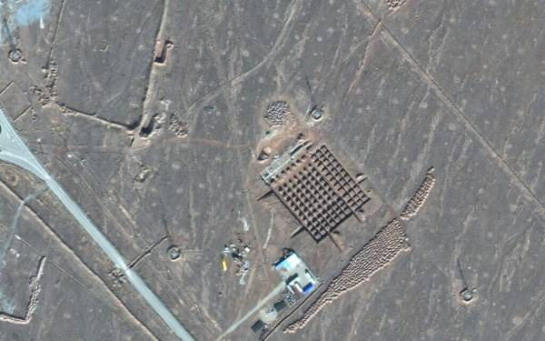 IRAN BUILDING AT UNDERGROUND NUCLEAR FACILITY, NEW SATELLITE PHOTOS SHOW