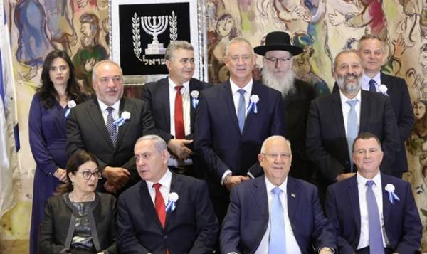 RIGHT-WING BLOC PLEDGES TO BACK ONLY NETANYAHU