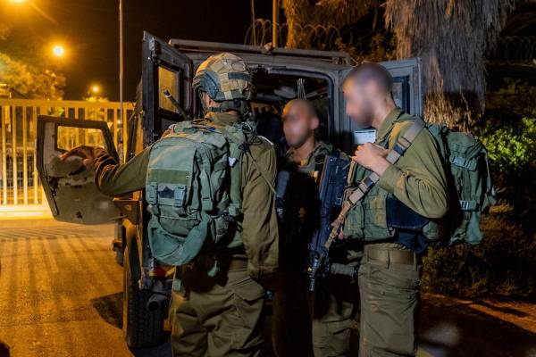 GAZA FLAREUP: 3 ISRAELI TROOPS INJURED IN HEAVY FIREFIGHT TRIGGERED BY ARMED PALESTINIAN INFILTRATOR