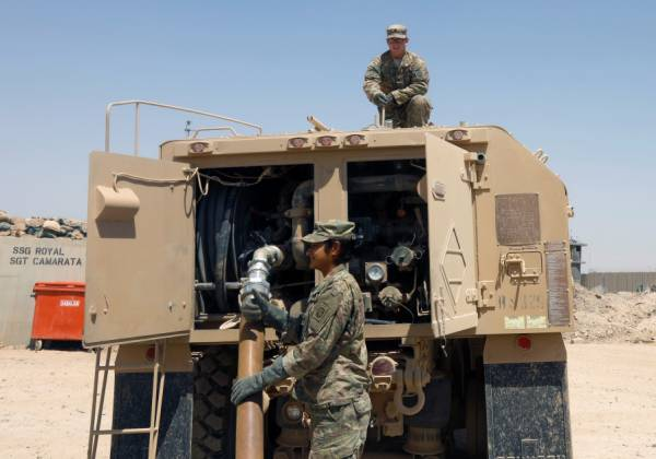 ROCKETS LAND NEAR IRAQI BASE HOSTING U.S. FORCES, NO CASUALTIES
