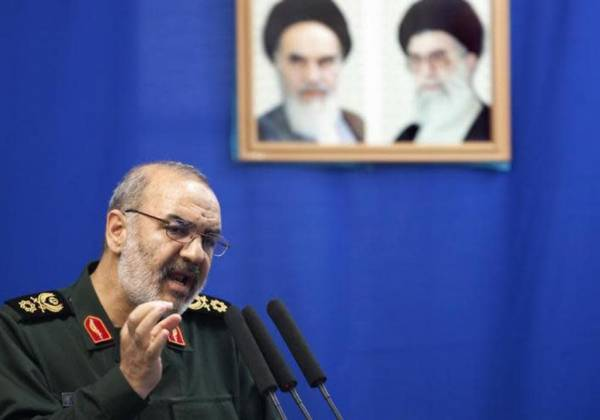 IRGC Chief Offers US Advise on National Defense Strategy